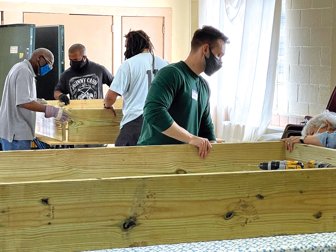 web-building-raised-beds-2_711