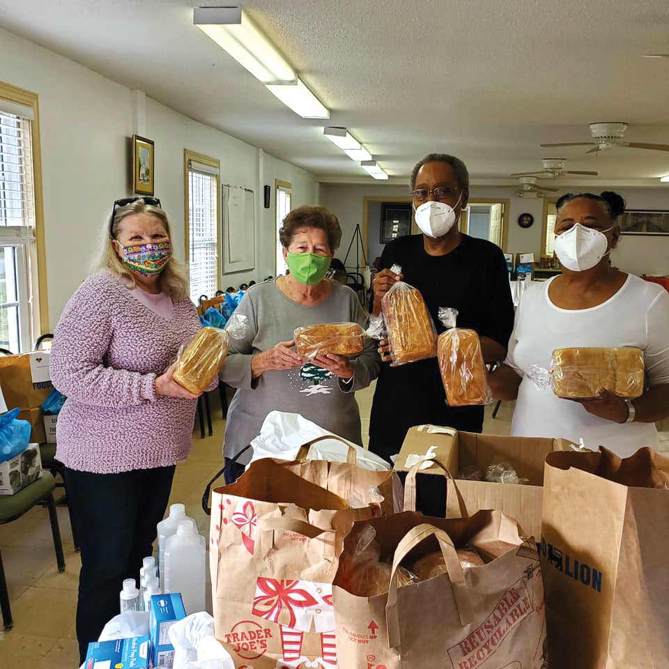 web-st-lukes-tarboro-give-and-take-donated-homede-bread-by-norma-armstrong_778